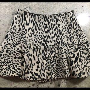Fun Zara leopard mini in Size xs